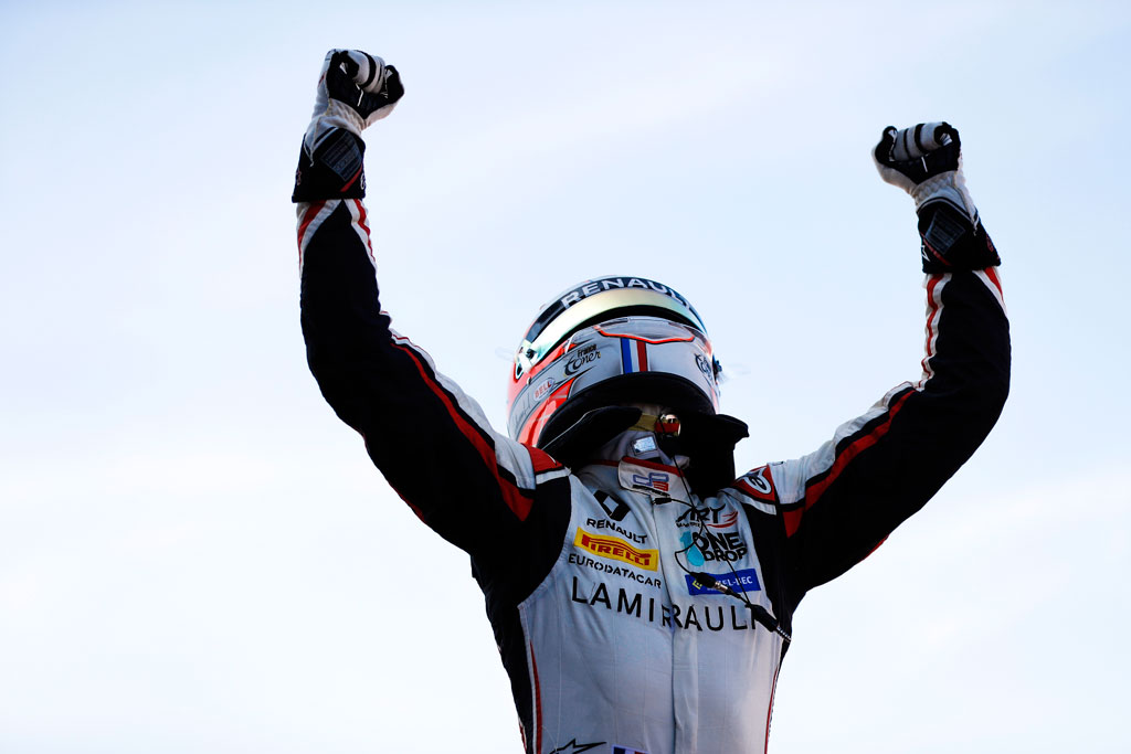 anthoine_s_impose_a_silverstone
